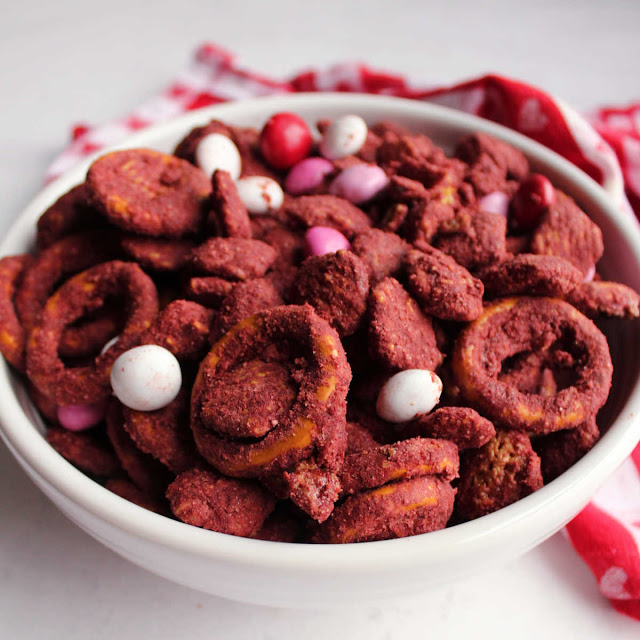 bowl of red velvet puppy chow