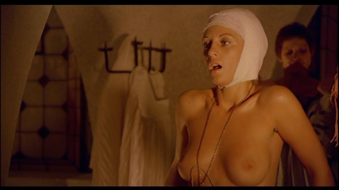 Non Stop Sempre Buio In Sala Nude Scenes Review