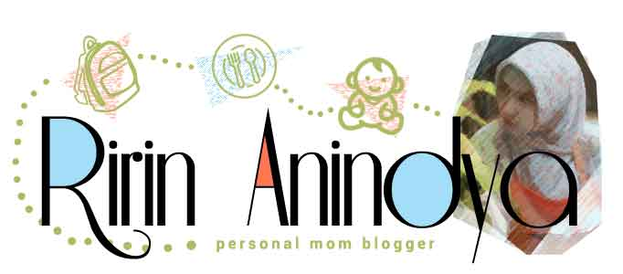 Mom Blogger Parenting Ririn Anindya