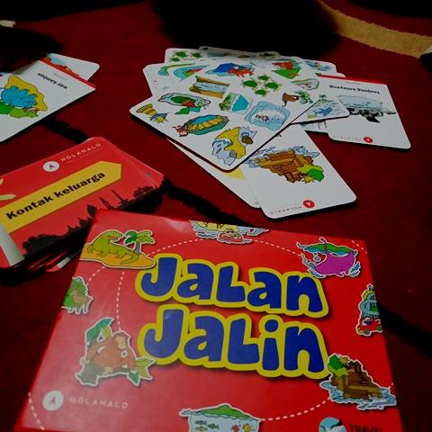 Mengenal Ragam Wisata Melalui Kartu Permainan Jalan Jalin