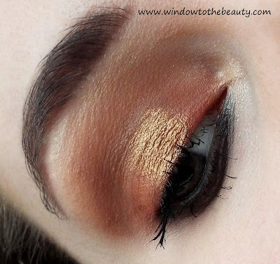 gold green makeup