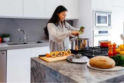4 Tips Menghilangkan Bau Tak Sedap pada Lemari Dapur