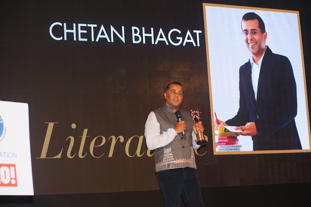Chetan Bhagat awarded in Literature category at URJA Awards in association with Hello!