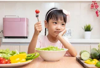 هل تحب الأطعمة غير المرغوب فيها؟ إليك كيف يمكنك تحفيز دماغك على الإقلاع عن الأطعمة غير المرغوب فيها!