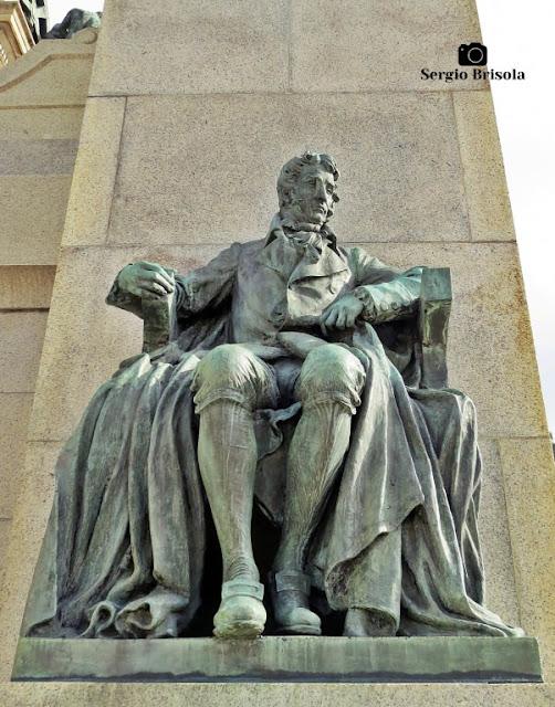 Close-up da Escultura Hipólito José da Costa - Monumento à Independência do Brasil - Ipiranga