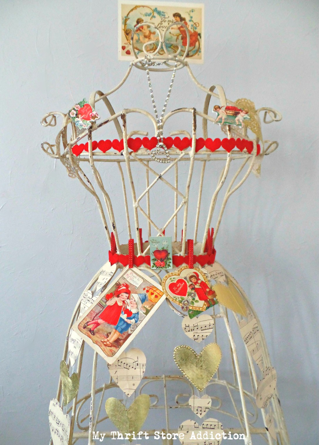Queen of Hearts Valentine dress form