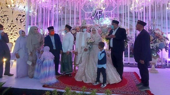 Diwarnai Hujan, Resepsi Pernikahan Ustadz Abdul Somad-Fatimah Az Zahra Dihadiri Sejumlah Artis hingga Pejabat