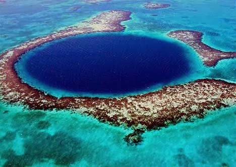 gambar Lubang biru raksasa ( Great blue hole )