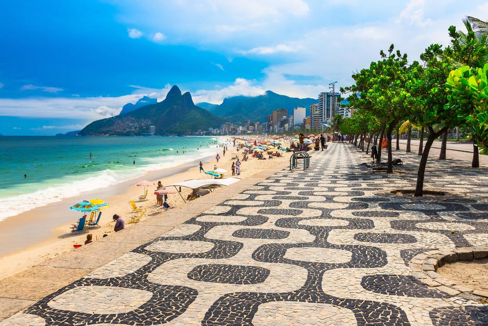 Вид на пляж Ипанема в Бразилии