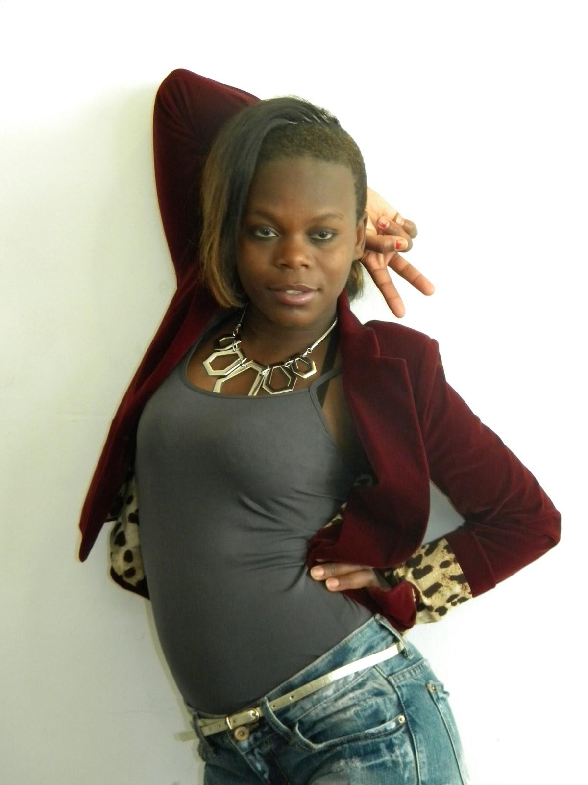 DariNews: Lady feat Justino Handanga com o titulo_Ndalinganala