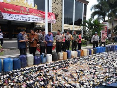 Operasi Cipta Kondisi, Polresta Bandarlampung Musnahkan 2305 Botol Minuman Keras