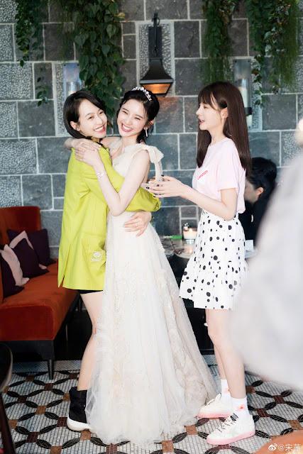 Tang Yixin bridesmaids Shen Mengchen Victoria Song
