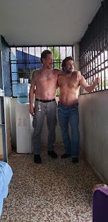 """مؤسس شركة """"McAfee"""" ينشر صور له من داخل السجن"""