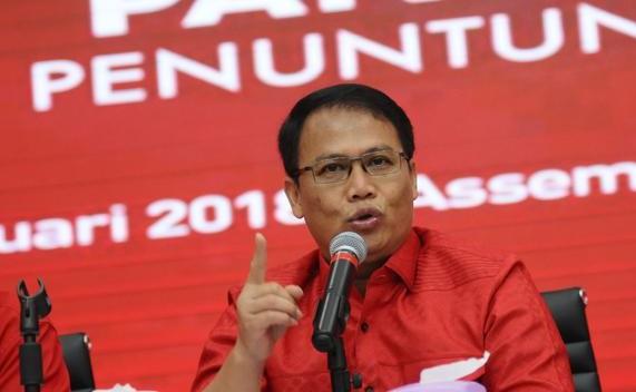 Pidato Kontroversial Bipang Ambawang, PDIP: Pak Jokowi Seorang Muslim yang Baik, Pernah Umrah!