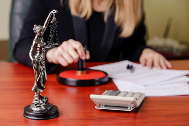 Что делать, если нотариус отказал в заключении договора купли-продажи недвижимости?