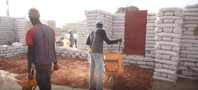 senegal-building-sustainable-schools-using-moon-bricks