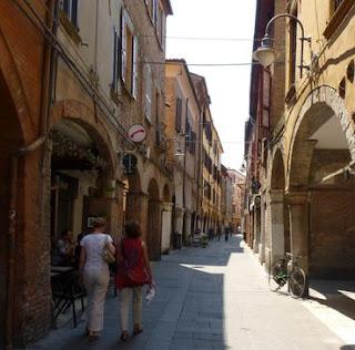 Paseando por el centro de Ferrara.