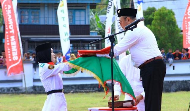 """ BUMN HADIR UNTUK NEGERI "" Direktur PT.Semen Indonesia Irup Upacara, HUT RI Ke 74 Di Bontosikuyu Selayar"