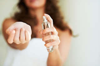 This Research Shows That Most People Spray Perfumes Before Having A Shower