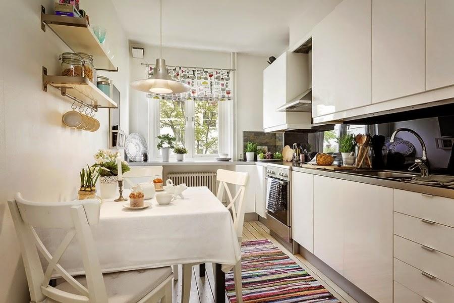 styl skandynawski, vintage, dodatki, dekoracje, ramki, drabina, skrzynka, IKEA, biała kuchnia