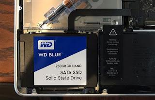 Mengganti Hard Disk dengan Flash Storage Komputer Mac MacBook Pro