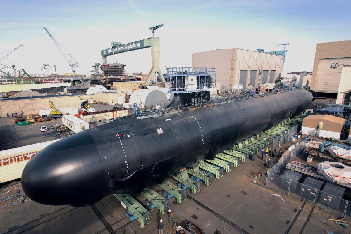 """غواصة الصواريخ الباليستية طراز كولومبيا """"Columbia class submarine"""" - ميزانية الجيش الأمريكي 2021"""