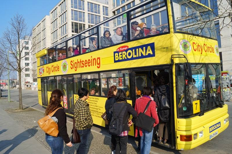 bus turistico berlin citysightseeing stop east side gallery
