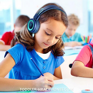 5 Reasons To Buy Headphones For Students