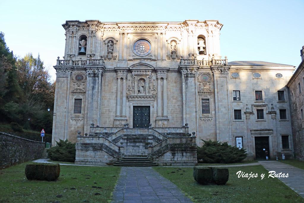 Fachada de la Iglesia de Samos