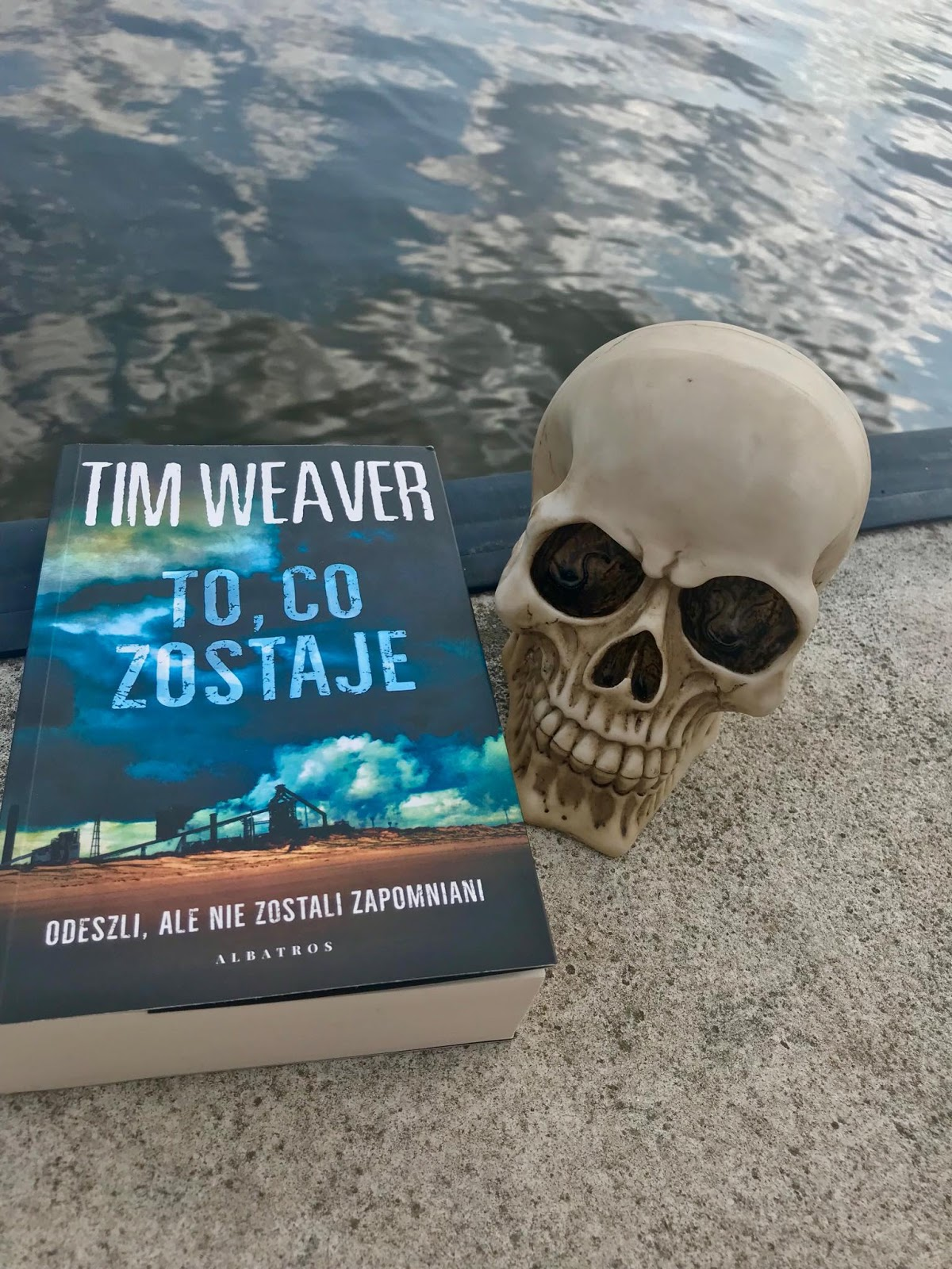Tim Weaver - To, co zostaje