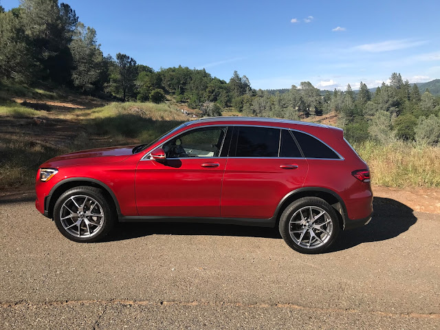 Side view of 2020 Mercedes-Benz GLC 300 4MATIC