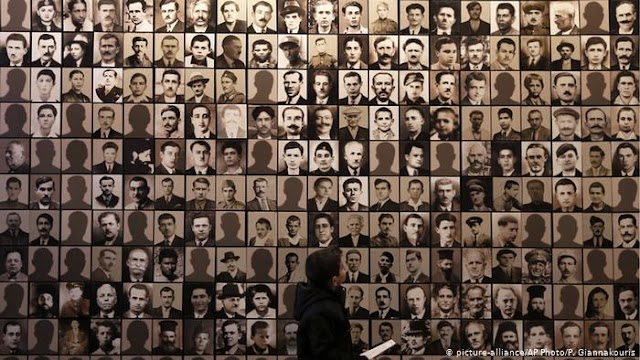 Die Zeit: Μία «ρεαλιστική πρόταση» για τις αποζημιώσεις