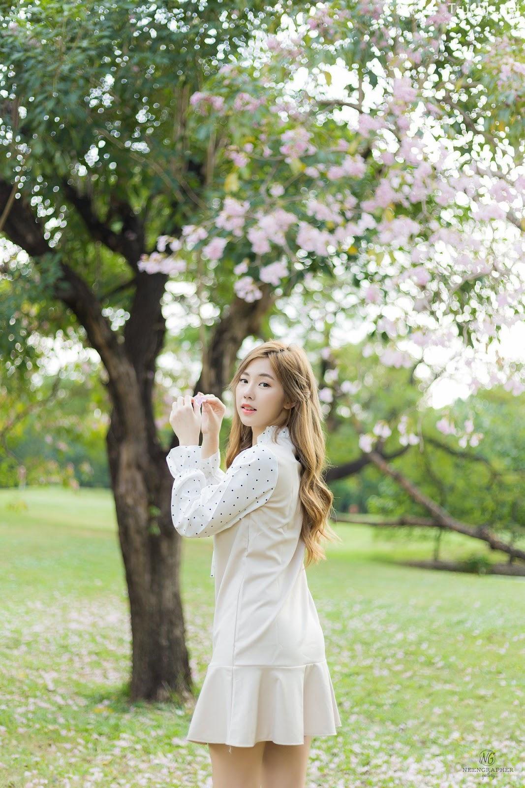 Thailand cute model Nilawan Iamchuasawad - Beautiful girl in the flower field - Photo by จิตรทิวัส จั่นระยับ - Picture 10