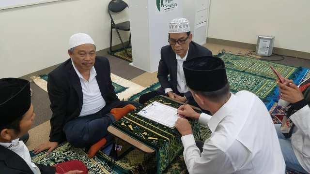PCINU Jepang Bimbing Warga Finlandia Masuk Islam di Masjid Nusantara