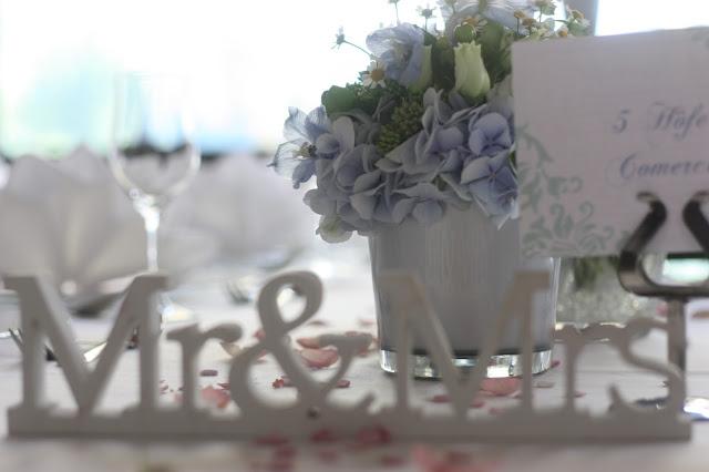 Tischdeko Wasserfarben-Hochzeit am See, Graugrün, Mint, Aqua, Blau, Grün, Riessersee Hotel Garmisch-Partenkirchen, Bayern, Lake side summer wedding Aqua, Green, Blue, grey colour scheme