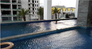 kolam renang di swiss-belhotel balikpapan