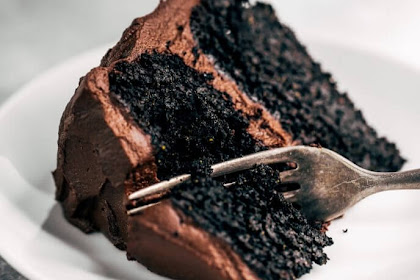 Best Paleo Avocado Chocolate Cake
