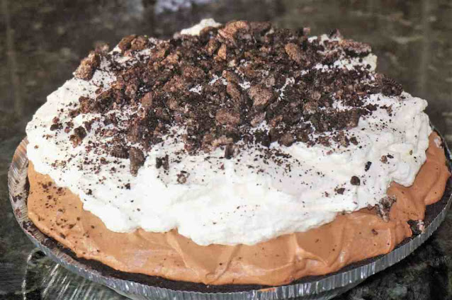 Mile-High Chocolate Mousse Pie