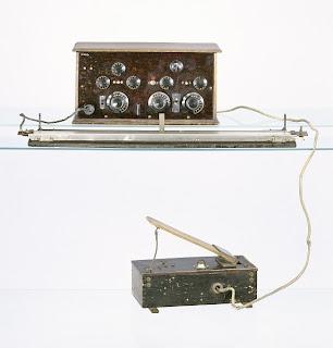 Fotografía del único ejemplar que se conserva del primer Trautonium construido y diseñado por el ingeniero Friedrich Trautwein en 1930