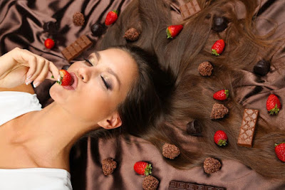 Good News for Singles on Valentine's Day! Eating Chocolate Might Be Better Than Being In Love!
