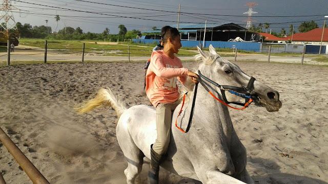 Aktiviti Berkuda di Kampung Penchalang || Hanna 4