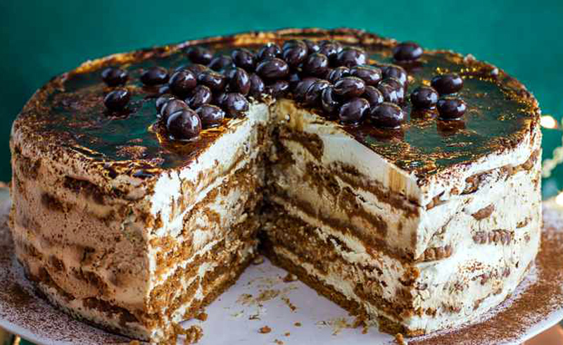 Coffee and cream fridge cake