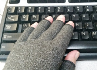 Arthritis Compression Gloves 2