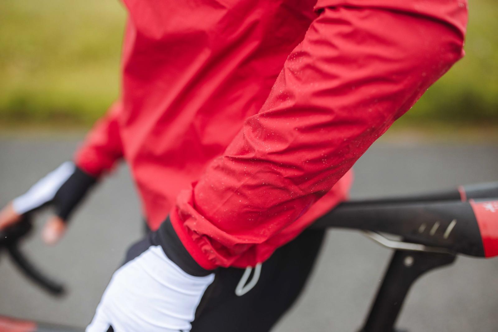 Rapha Mens Core Rain Jacket II Waterproof Cycling Jacket Review