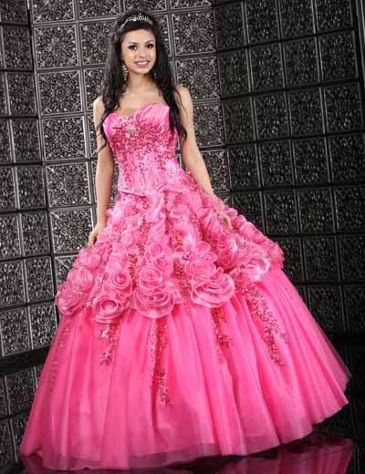 Lindos vestidos de 15 años estilo princesa