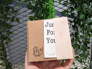 Kraft box with vines background