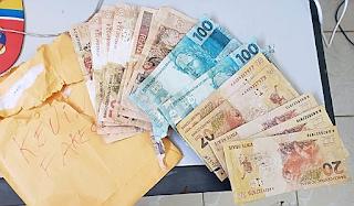 Polícia prende homem com notas de real falsificadas