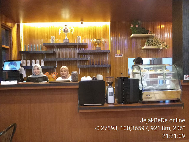 Kafe Kenangan Lamo di Ujung Bypass Bukittinggi