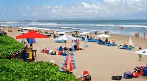 aktivitas air di pantai www.jokowidodo-marufamin.com