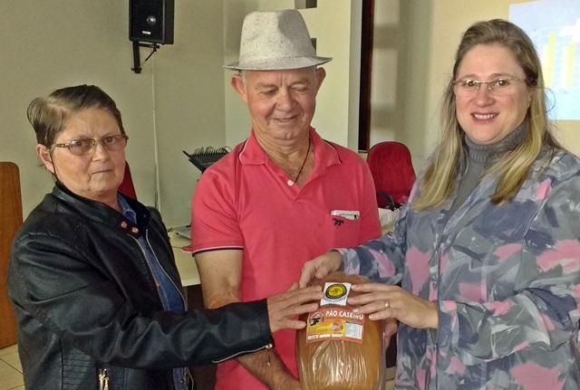 Prefeitura e Sebrae entregam selo de qualidade para agroindústrias de Roncador